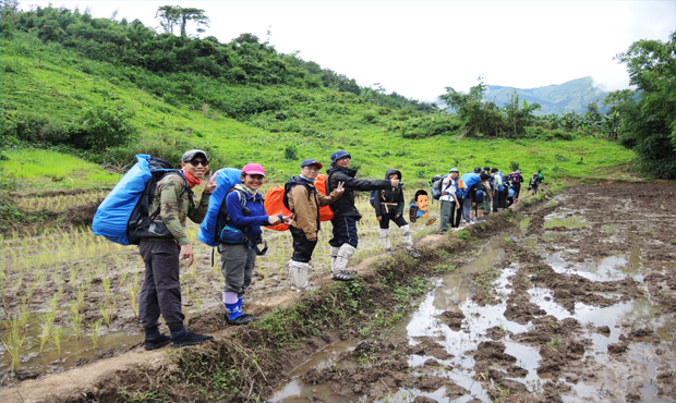 Read more about the article เคล็ดลับในการเดินป่าสำหรับมือใหม่